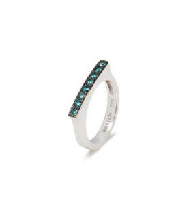 Anell or blanc amb diamants blaus